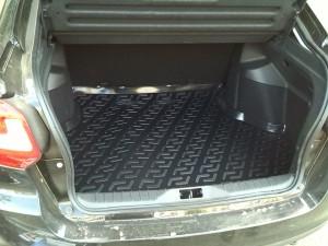 Багажник устеленный ковриком